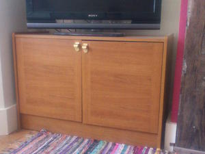 Retro teak TV/ hi-fi low unit - storage cupboard in Worthing & Storage Boxes and Furniture in Brighton | Friday-Ad
