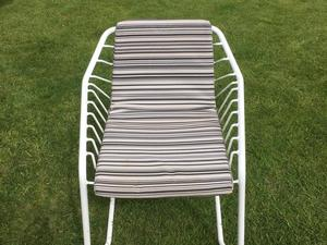 FREE   White Metal Garden Chairs With Cushions (6) In Littlehampton