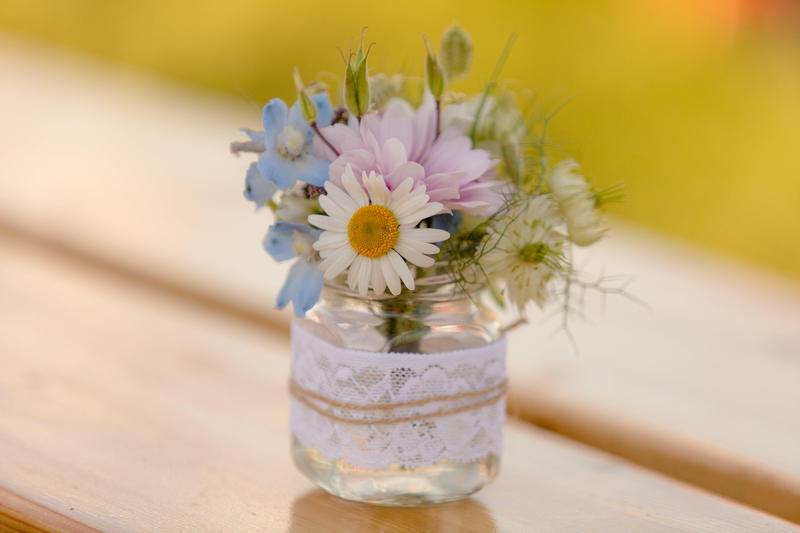 Stunning Wedding Celebration And Funeral Flowers Special Summer