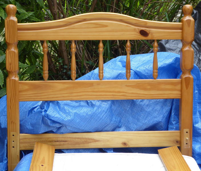 Good quality single pine bed frame with decorative head for Good quality single beds