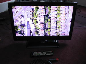 12Volt Bush BLED24FHDL8DVD 24 inch 1080p LED TV/DVD Combi with Freeview for sale  Worthing