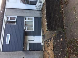 3 Bedroom Terraced House For Rent In Crawley