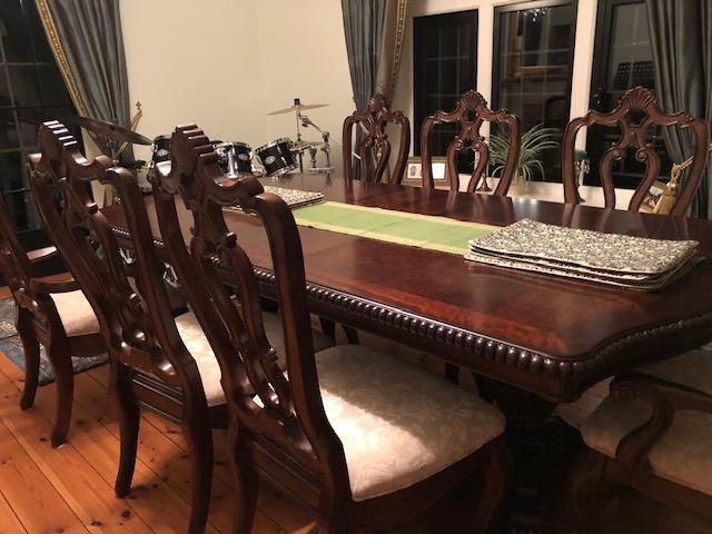Nearly New Nashville Double Pedestal Dining Table Chairs In Eastbourne