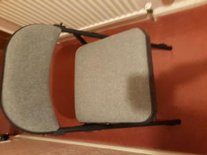 FOR SALE FOLDING CUSHIONED CHAIR LIKE NEW HARDLY USED In Doncaster