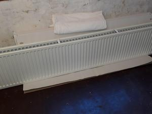 Large Radiator Cover Painted Cream Good Condition In Bexhill On