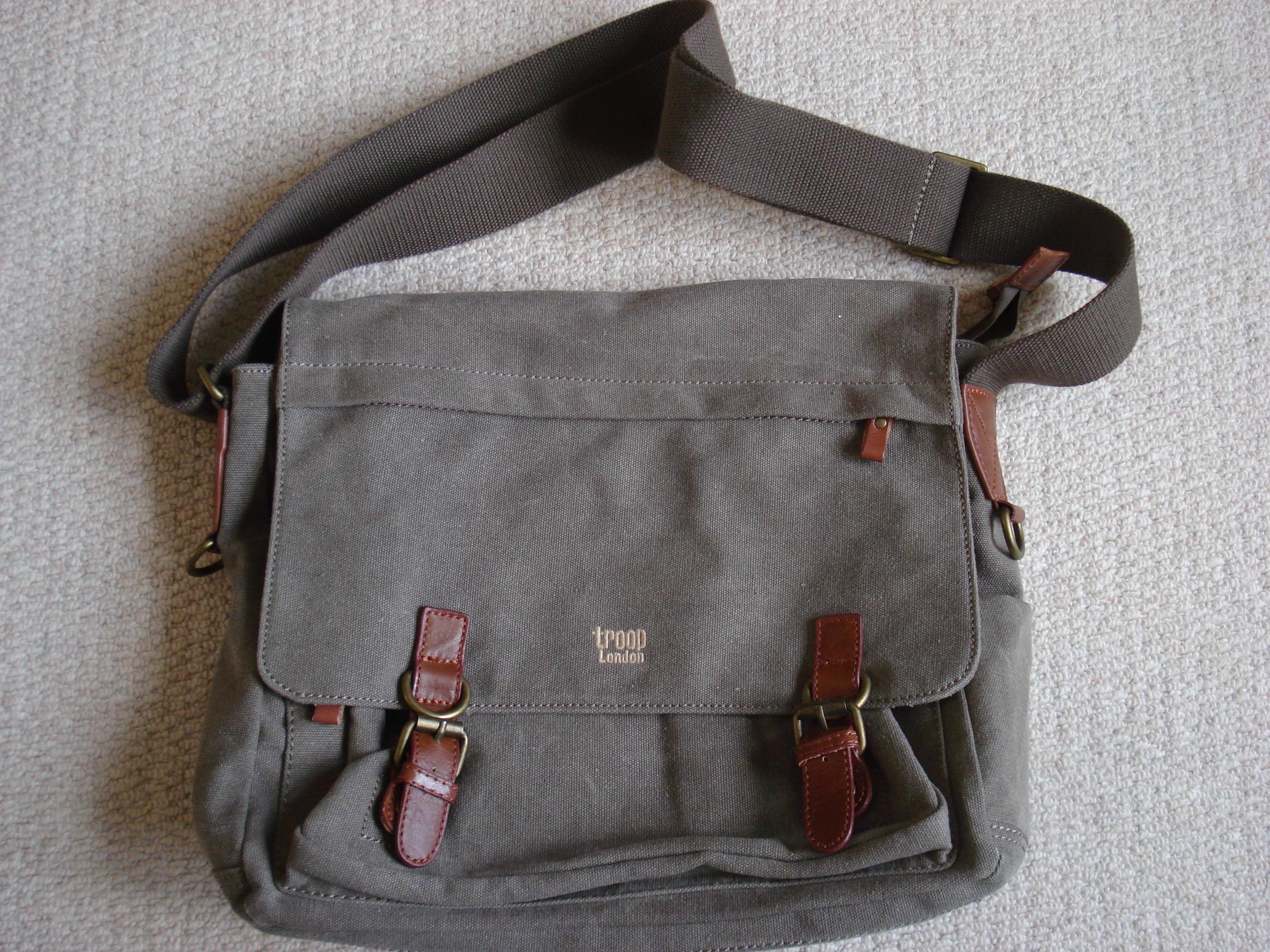 MAN BAG - MESSENGER BAG - TROOP LONDON - BRAND NEW in