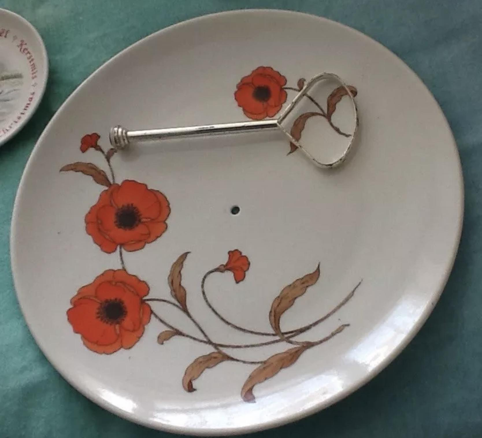 Avon poppy collection cake stand in Hove | Friday-Ad