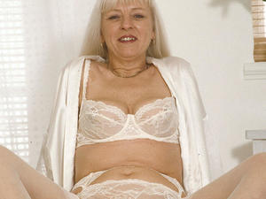 Chubby mature cunt