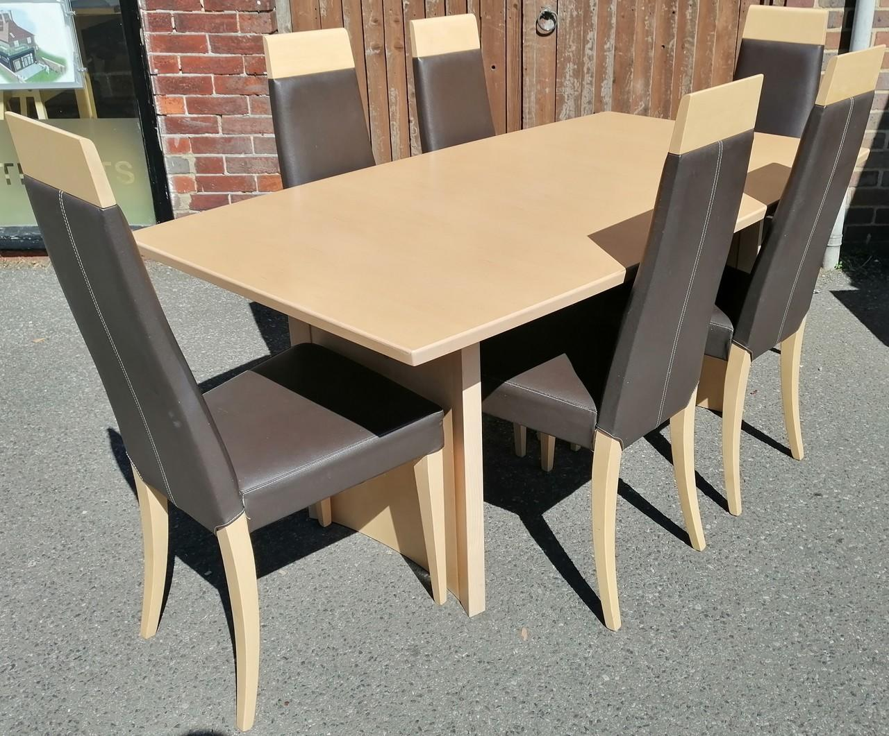 Amazing John E Coyle Extending Maple Table 6 Chairs In Haywards Bralicious Painted Fabric Chair Ideas Braliciousco