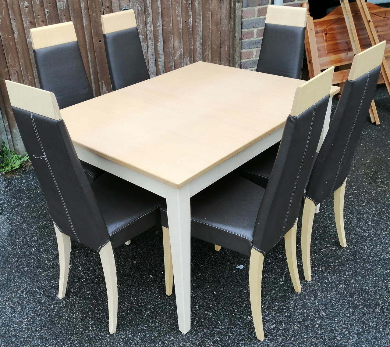 Surprising John E Coyle Extending Dining Table 6 Chairs In Haywards Bralicious Painted Fabric Chair Ideas Braliciousco