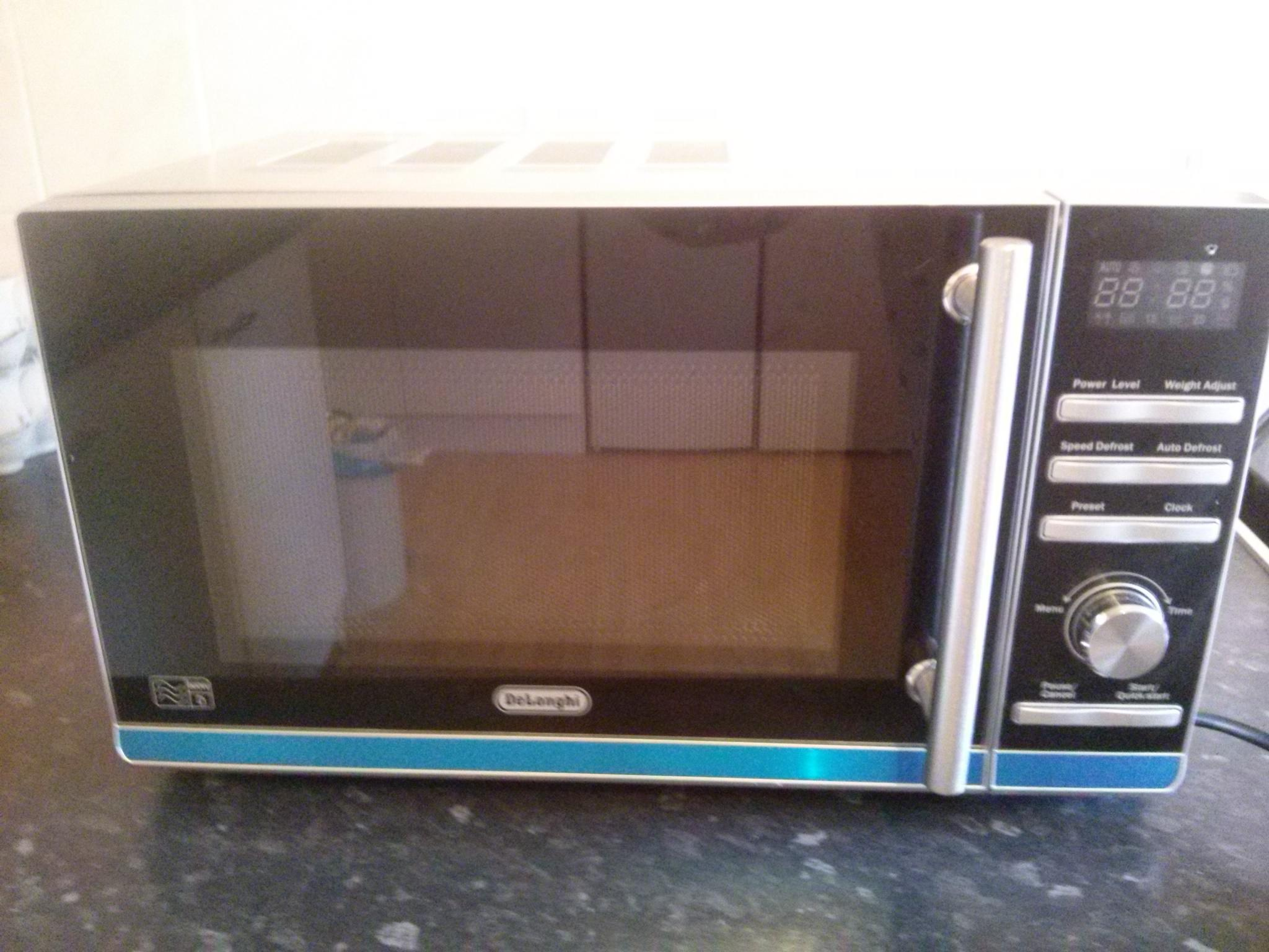 Delonghi 800w Standard Microwave In Lancing Friday Ad