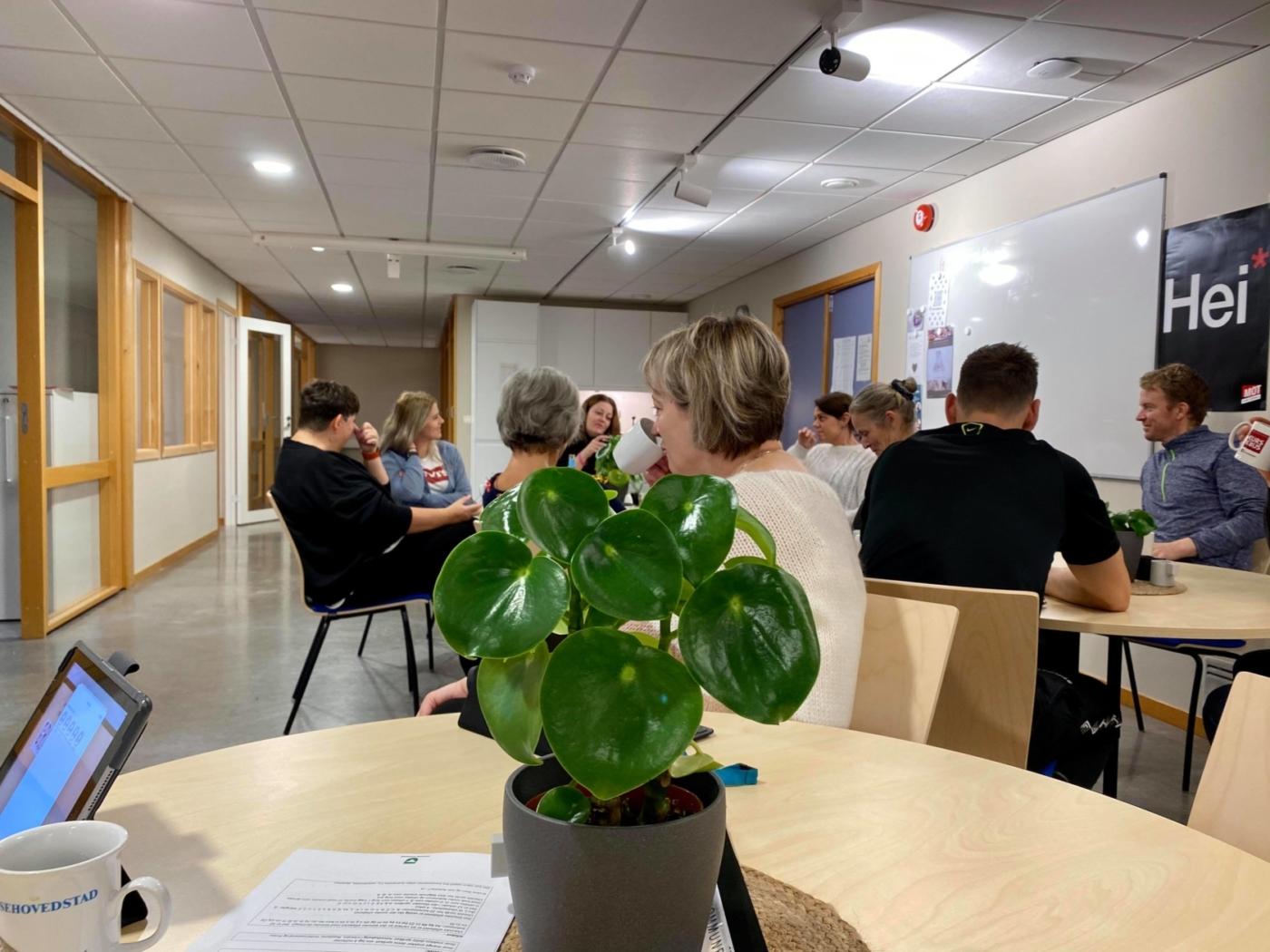 Frøya ungdomsskole, personalrom, klassequizen, NRK