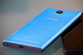 ARCHOS przedstawia nowe smartfony Platinum z KitKatem