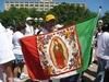 Meksykańska flaga z wizerunkiem Matki Bożej z Guadalupe