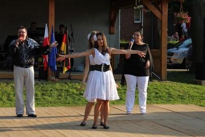 Podczas tegorocznego lata patronowaliśmy m.i.n Festynowi Wszystko Swojskie w Rzędowicach.W Tym roku gwiazdami Festynu był zespół Arkadia Band.