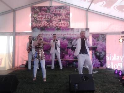 Zespół Happy Folk był jedną z gwiazd tegorocznego Święta Kwitnącego Różanecznika.