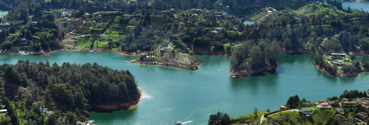Reservoir of el penon de guatape. antioquia colombia. water landscape