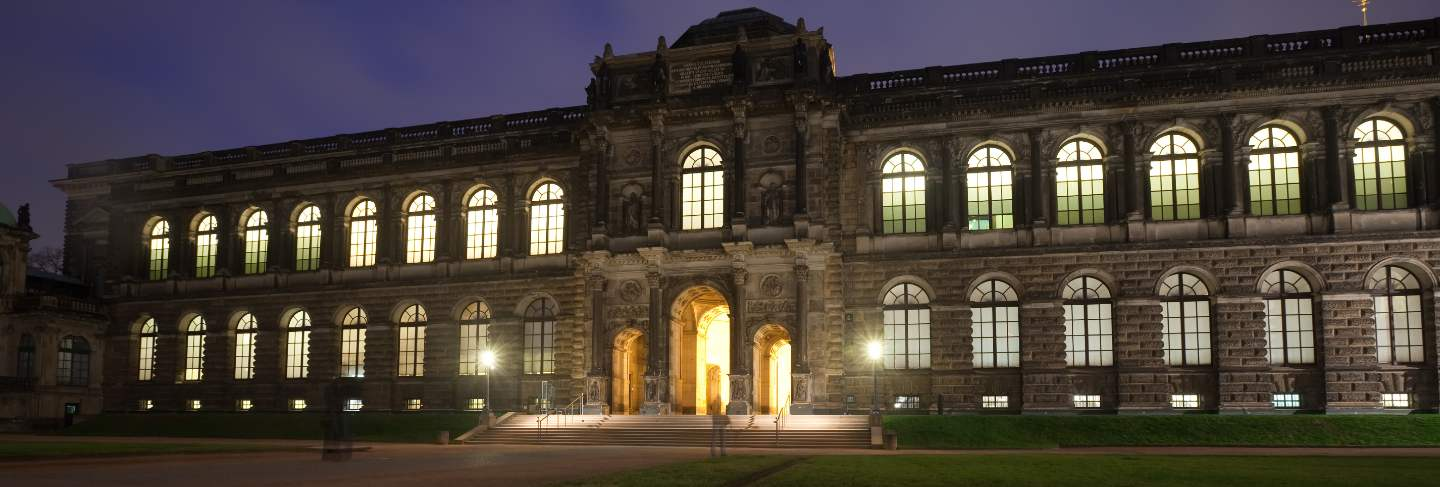 Old masters picture gallery at dresden in night