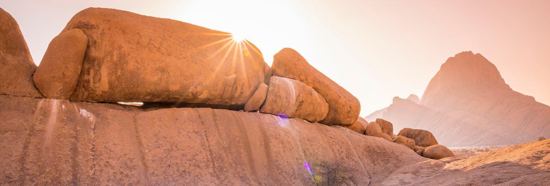 spitzkoppe-mountain-sunrise-namibia-africa