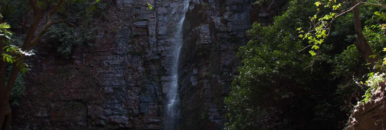Dindefelo waterfall senegal, africa Premium Photo