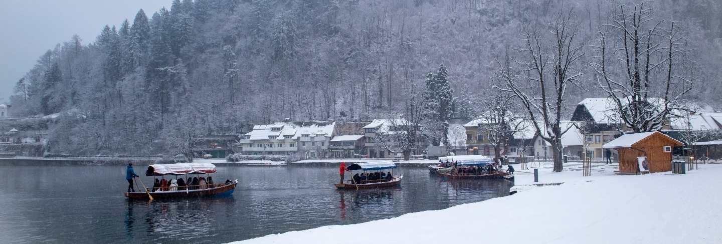 Boat tour early winter morning to bled island