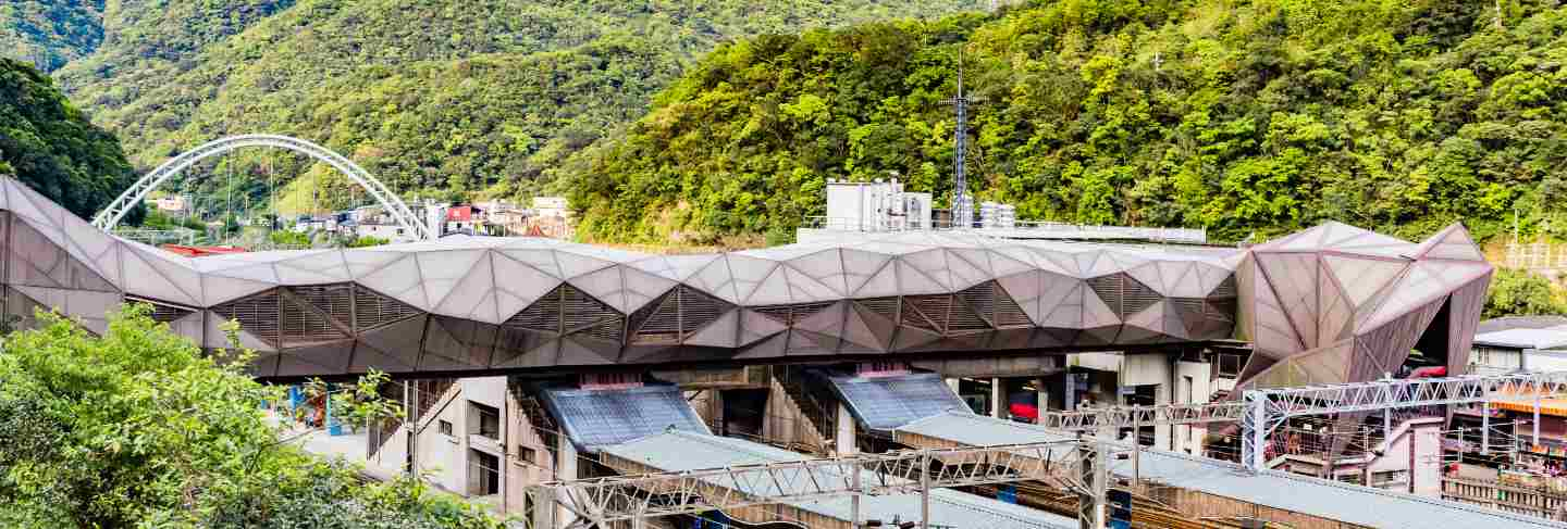 Houtong station is railway station on the taiwan railway administration (tra) yilan line