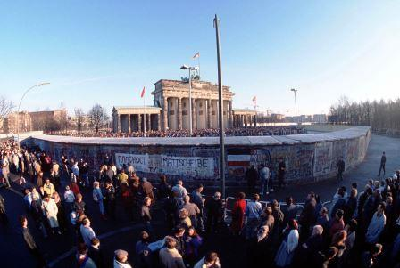 Brandenburg Gate on December 1, 1989. The structure is already freely accessible from the East, however, the crossing to the Western side will not be officially open until December 22nd - Wiki image