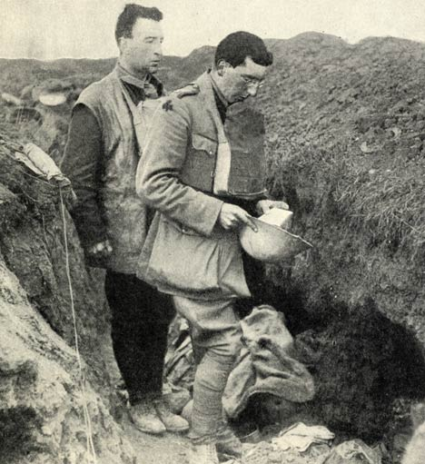 Trench Life In Pictures - Exclusive Pictures from WW1 Trenches