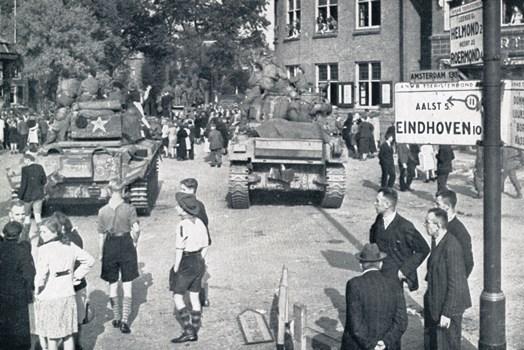 British troops advance on Eindhoven