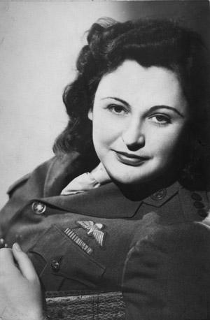 Nancy Wake 1945