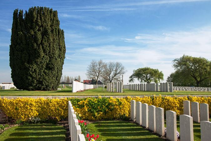 New Irish Farm Cemetery in Ieper, Belgium. – Wiki Image