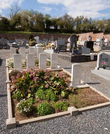Nouvelles Communal Cemetery - Wiki Image