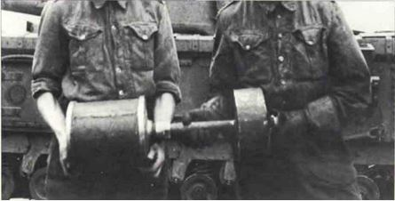 The Petard spigot mortar carried by the Churchill AVRE. AKA the the 'Flying Dustbin'