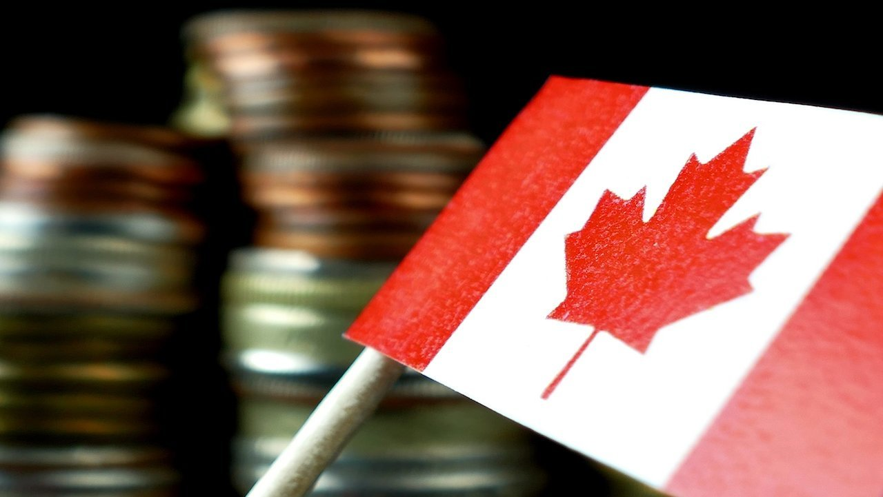 Canadian Dollar Weakens as Oil Prices Decline