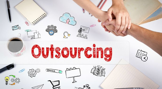Use a currency exchange provider to save costs outsourcing your IT projects