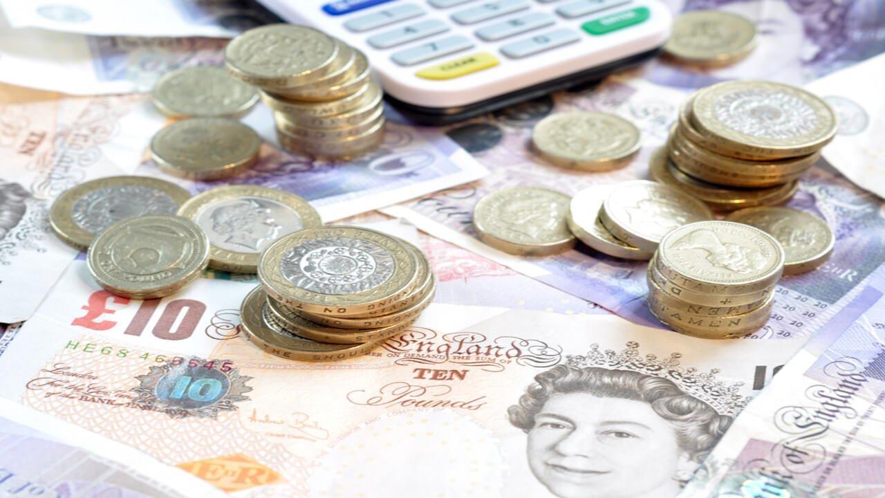 Pound sterling soars against euro amidst Italy-EU budget showdown