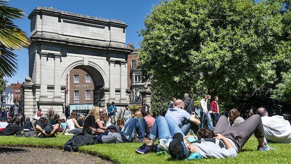 american students on university lawn ireland