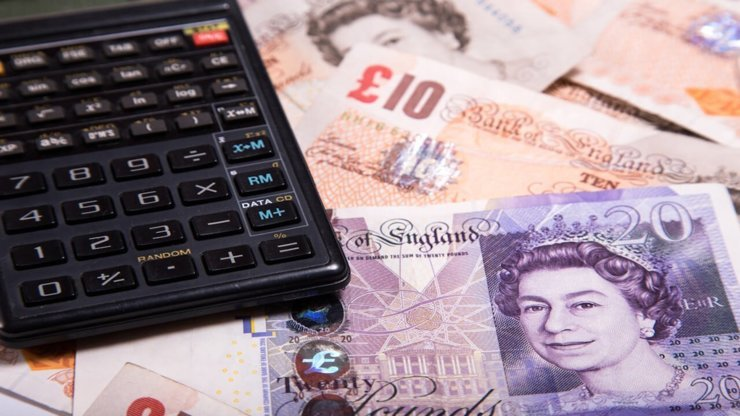 Sterling holds ground as UK braces for blind Brexit