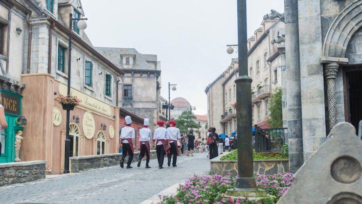 danang vietnam streets cosmopolitan living