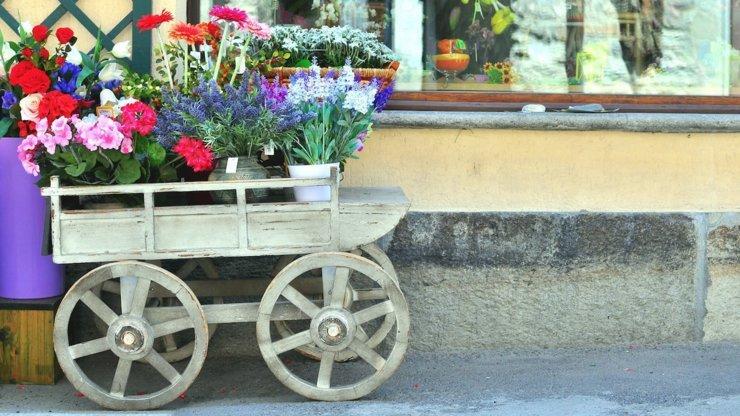 flower cart italy destination wedding