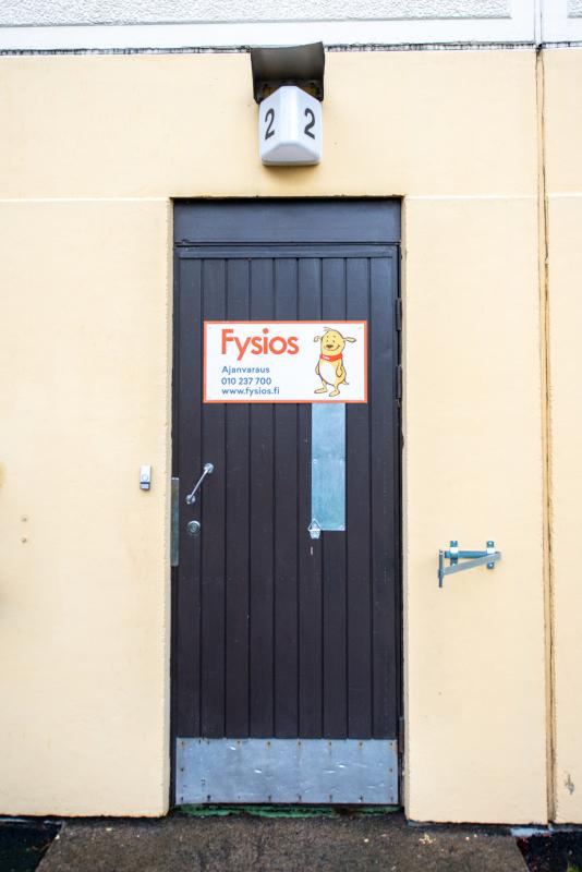 Fysios Järvenpää ulko-ovi