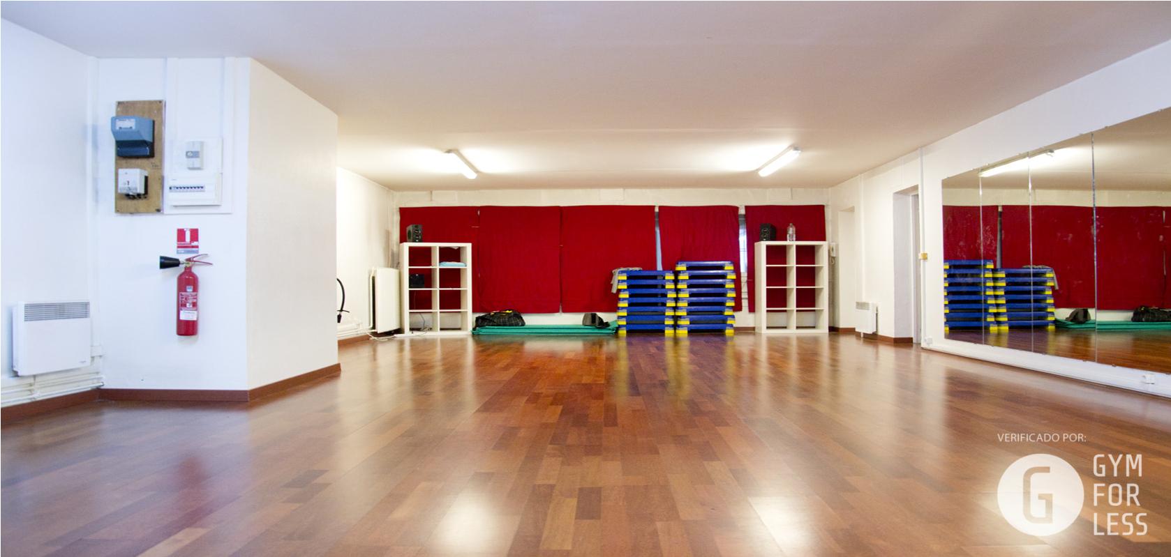 les meilleurs tarifs et activit s pour le centre salle pelleport paris sport club paris. Black Bedroom Furniture Sets. Home Design Ideas