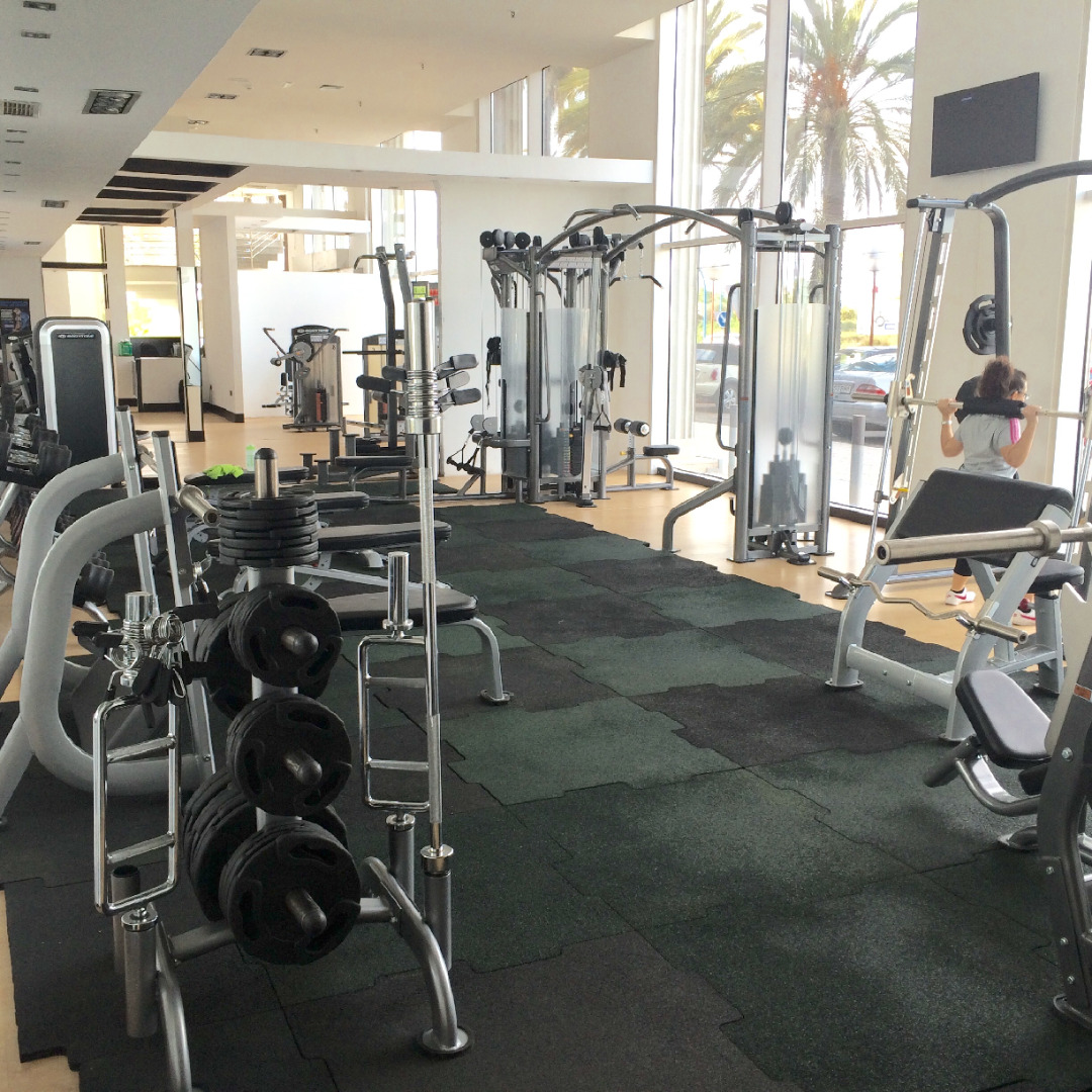 Oferta gimnasio centro fen meno getafe getafe gymforless for Gimnasio jaen