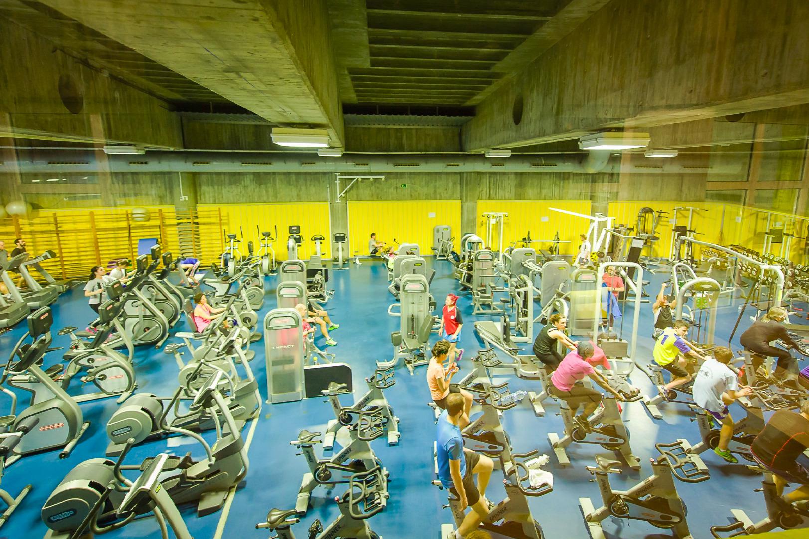 Oferta gimnasio centro deportivo m86 madrid gymforless for Gimnasio jaen