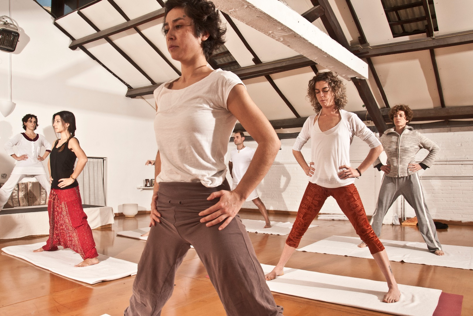 Foto 0 Oferta Gimnasio Happy Yoga Central Barcelona - GymForLess