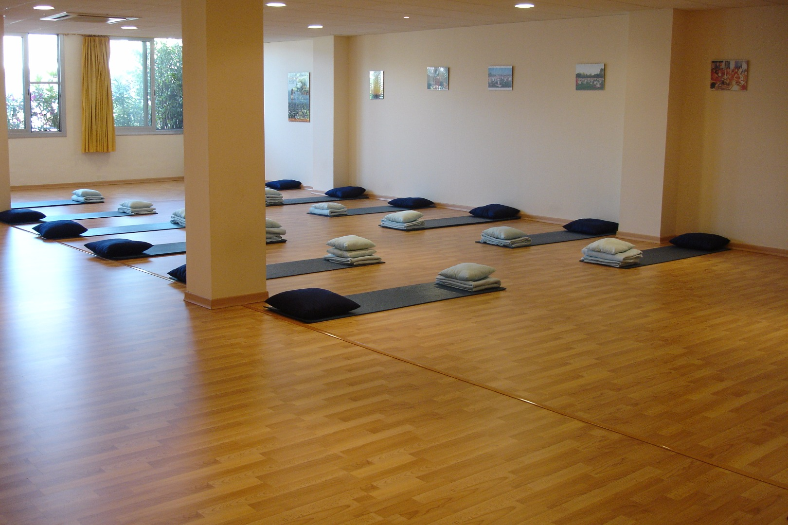 Picture 1 Deals for Gym Asociación Española de Yoga en la vida cotidiana Barcelona
