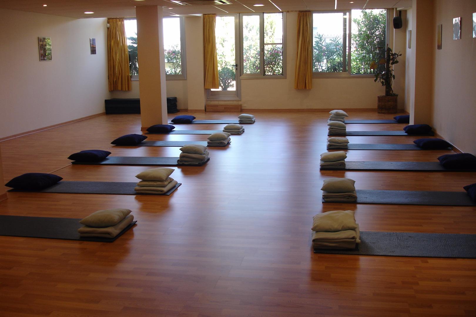 Picture 2 Deals for Gym Asociación Española de Yoga en la vida cotidiana Barcelona