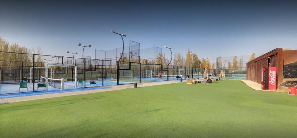 Picture 2 Deals for Gym Padel Barcelona - el Prat El Prat de Llobregat