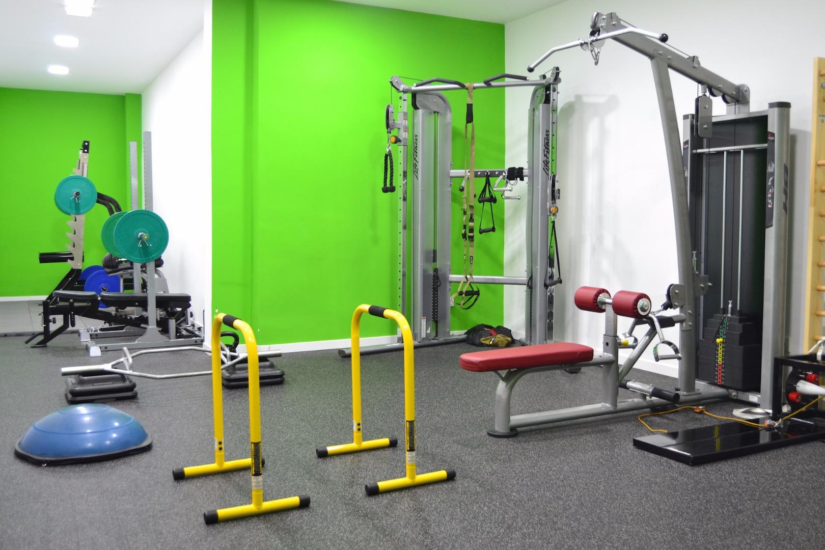 Oferta gimnasio body factory retiro sur madrid gymforless for Gimnasio 02 huelva