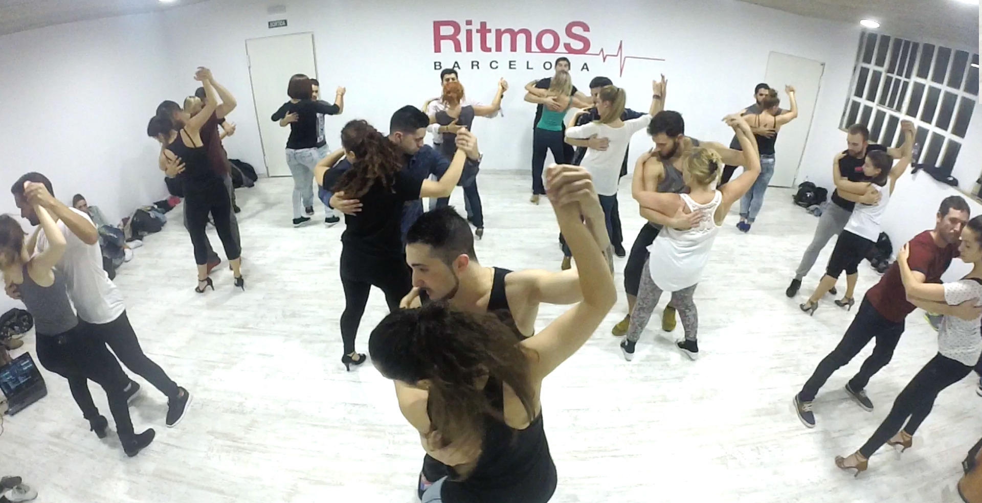 Foto 3 Oferta Gimnasio Ritmos Barcelona Barcelona - GymForLess